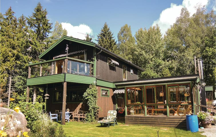 Holiday cottage with 2 bedrooms on 165 m²
