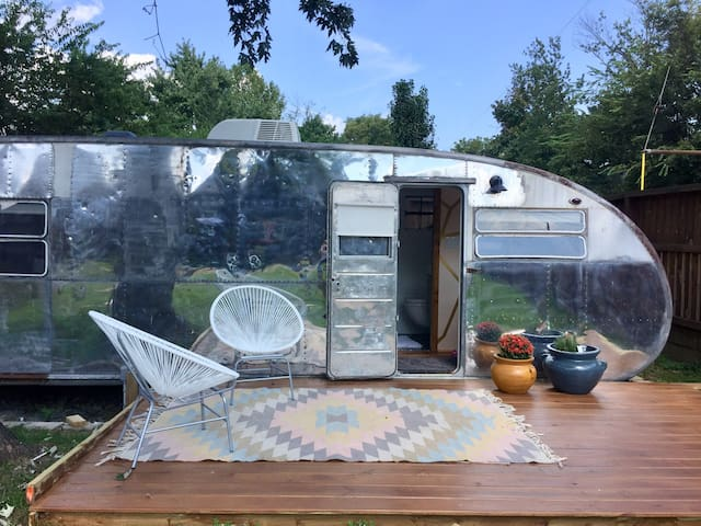 Little Wayne: Backyard Glamping in East Nashville