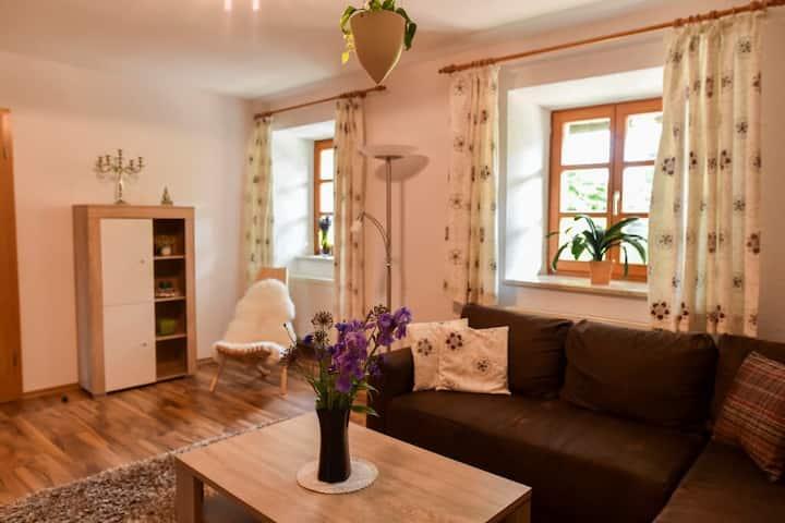 """Landhaus Lehhof (Traitsching), Ferienwohnung 1: """"Wald und Wiese"""" mit Terrasse"""