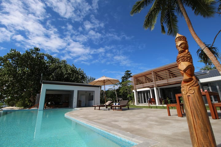 Namele Villas -  Main House & Beach Studio