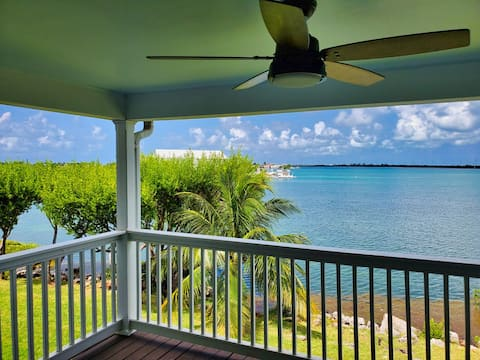THE OCEAN BECKONS!  2/2 Village at Hawks Cay 5047