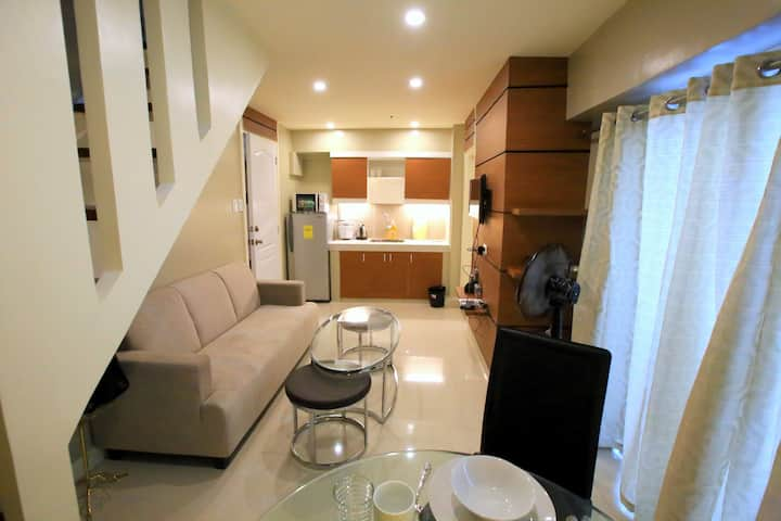 Centrally Located 2-Story Loft in TIMOG Ave.