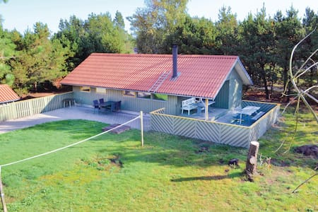 Holiday cottage with 3 bedrooms on 72m² in Nørre Nebel