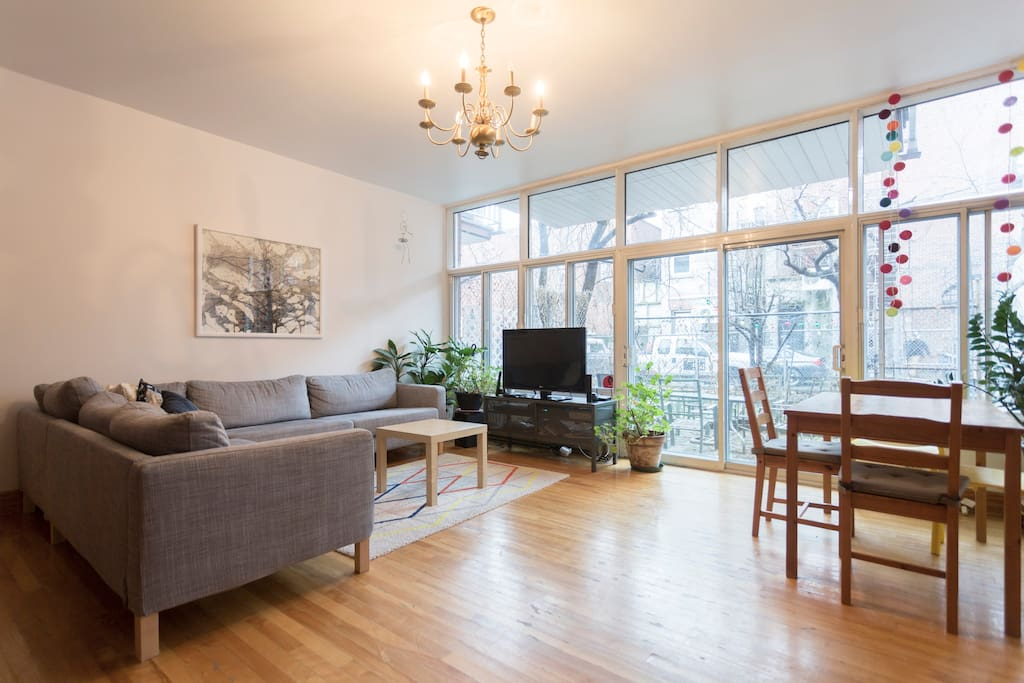 Beautiful 7 in the mile end flats for rent in montr al for Don meuble montreal