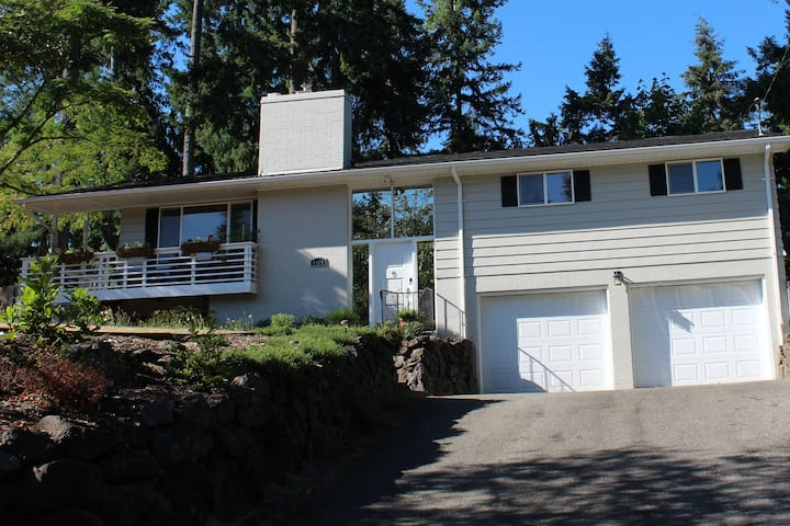 Vacation Home in beautiful Gig Harbor for 7 guests