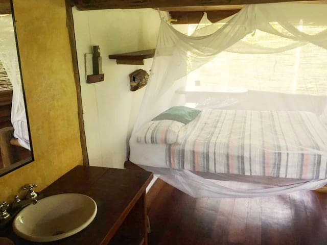 Fresh and Comfortable Ensuite Room on 2nd Floor
