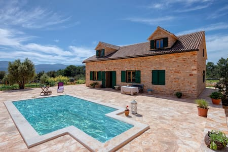 Natural Rusticana - Five Bedroom Villa with Pool - Stari Grad - Villa
