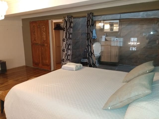 2 BR apartment in the walled city