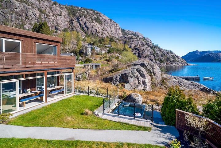 Hytte i Lysefjorden