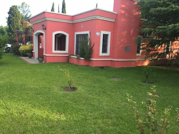 Hermosa casa en La Floresta