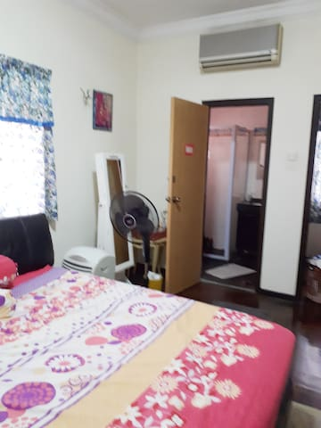 Room for rent, minimum 3 months rental