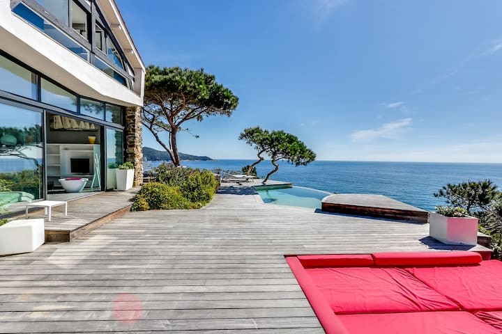 Sea-facing villa on Saint Tropez peninsula - Ramatuelle - Casa