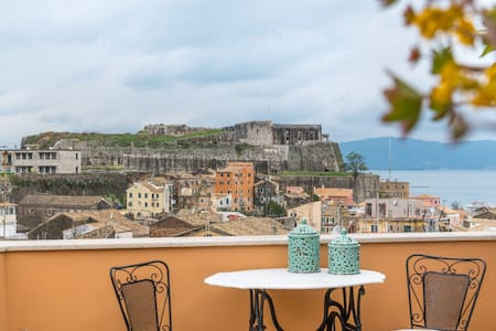 Best view top floor Apt.-Old city of Corfu