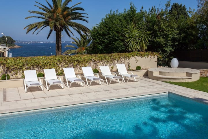 Luxury Villa and Pool in Cannes, next to beach