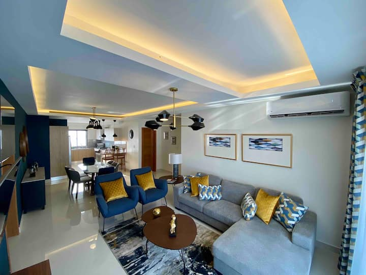 NEW PH Style Apt with Rooftop Pool+WiFi+Smart TVs