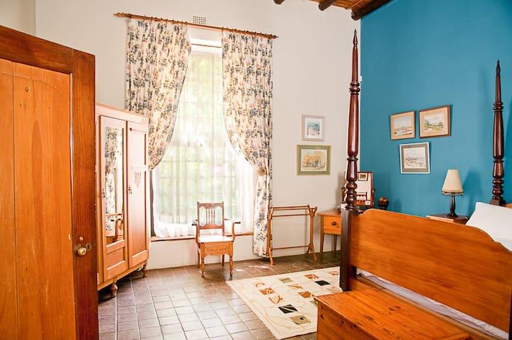 Wittedrift Manor House -Schalkenbosch family suite