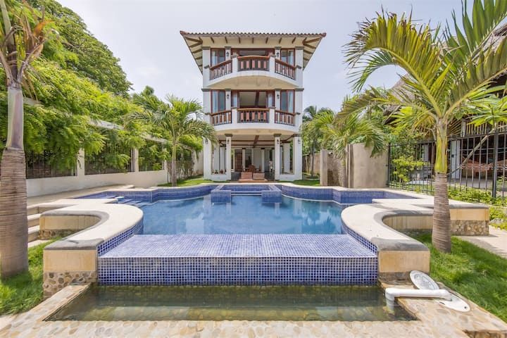BEACHFRONT Villa, San Juan Del Sur - Playa Marsela