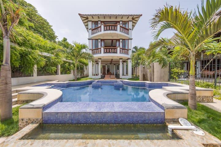 BEACHFRONT Villa, San Juan Del Sur - Playa Marsela