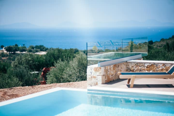 Luxury Villa for 6-8 people with panorama view and private pool # Koralia Villa # K-Villas NBN 1159576