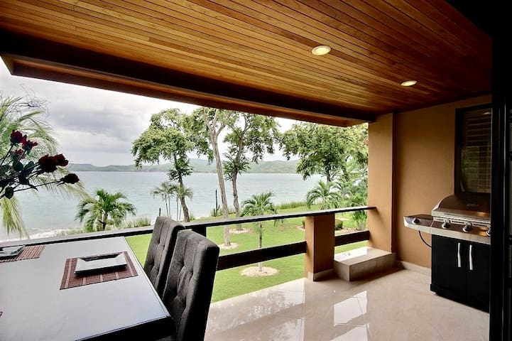 Beachfront 3 Bedrooms 3 Bath - Flamingo Costa Rica