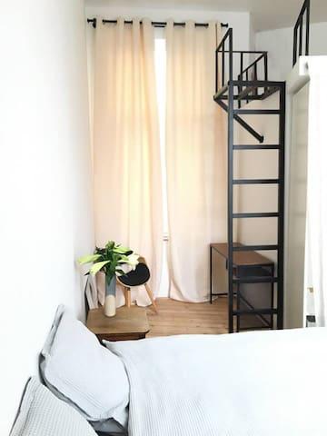 Bright, modern apartment near European area