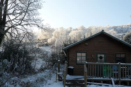 A real log cabin, secluded, & the perfect getaway. - Helensburgh - Hytte