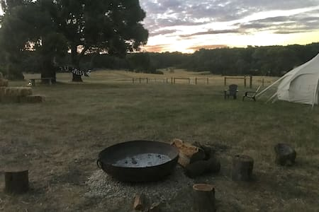 Honeysuckle Glamping - Luxe - Lauriston