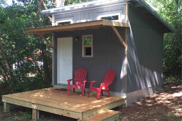Itty Bitty Honeysuckle Cabin