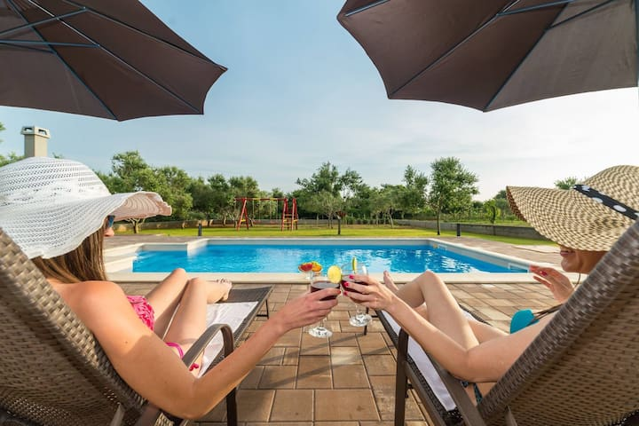 Villa Mia with pool - Privlaka - Villa