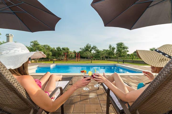 Villa Mia with pool - Privlaka - 別荘
