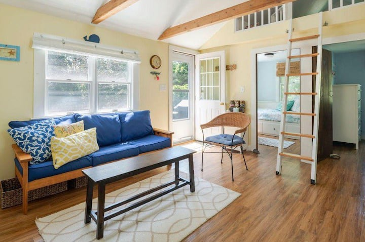 Cozy 3 bedroom cottage in the Heart of Wellfleet