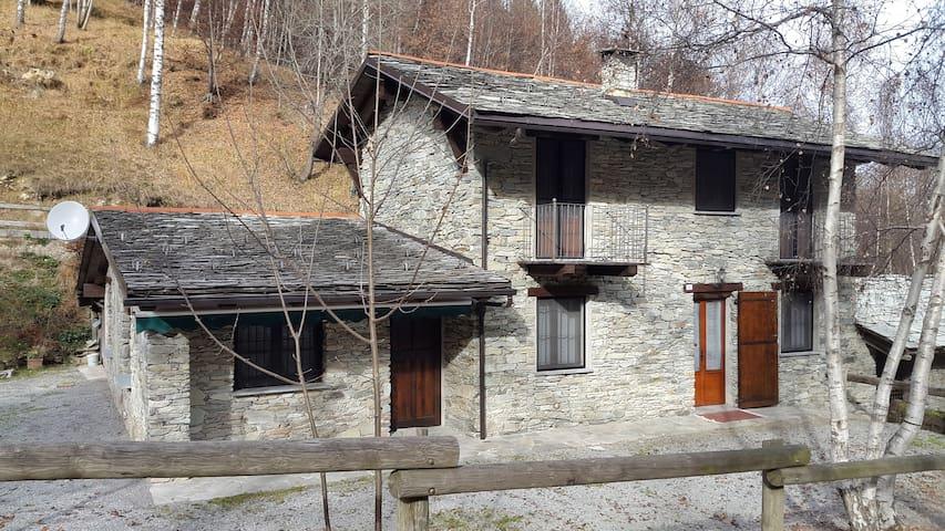 Casa alle pendici  della Bisalta - Peveragno