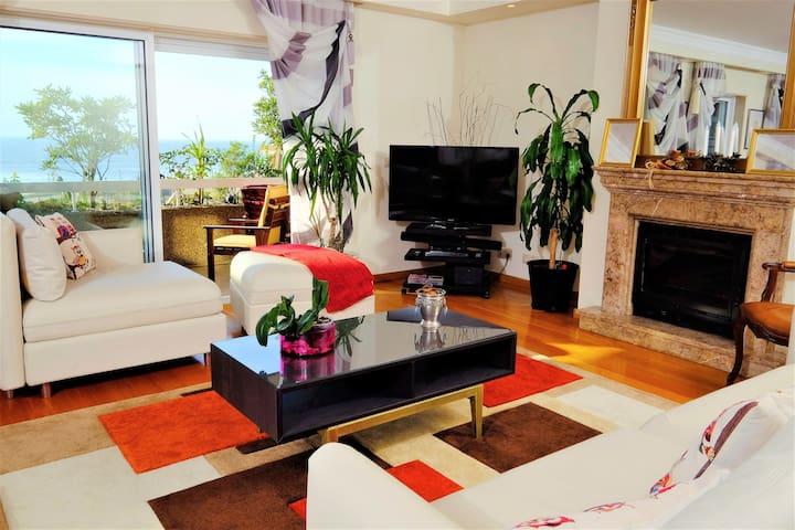 Luxury Beachfront Penthouse Apartment w/ Pool