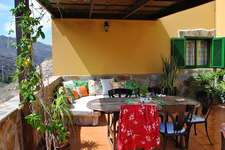 House with 2 bedrooms in Mogán, with wonderful mountain view, furnished garden and WiFi - 4 km from the beach