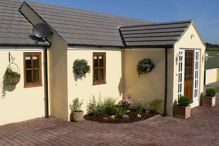 Stunning Holiday Cottage in Manx Countryside