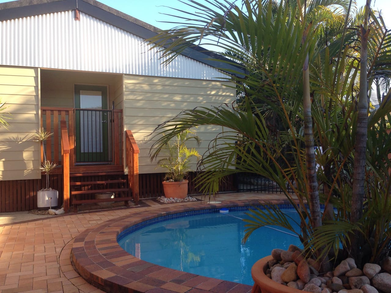 Fully self contained detached studio with pool.