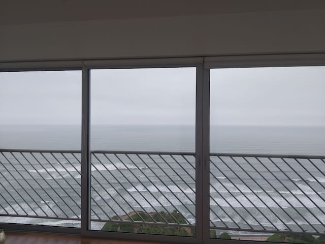 Room w/Bathroom ONLY FOR Female Apartment Seaview