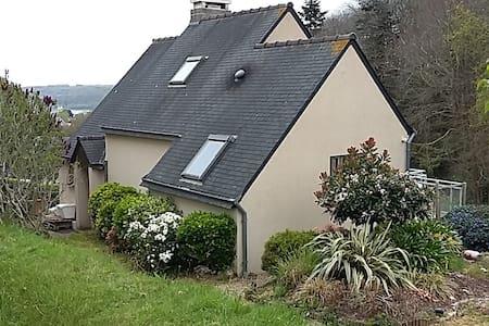 Maison et jardin à Locquénolé (Morlaix-Carantec) - Locquénolé - Ház