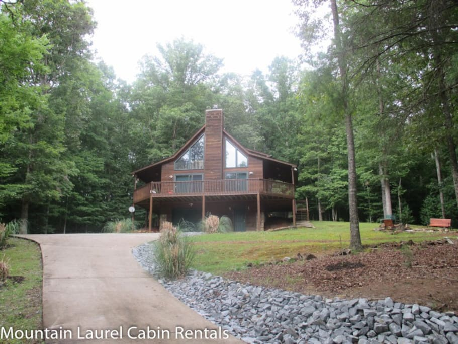 Mlc eagle mountain chalet cabins for rent in ellijay for Ellijay cabins for rent by owner