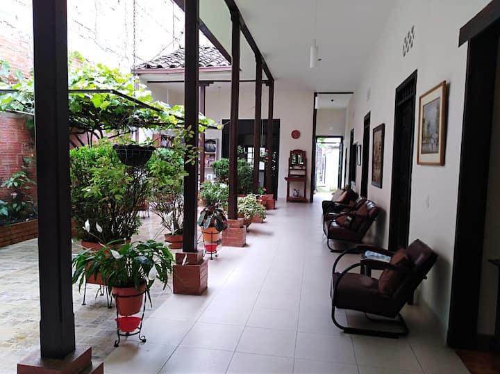 Casa completa en el centro de Pitalito