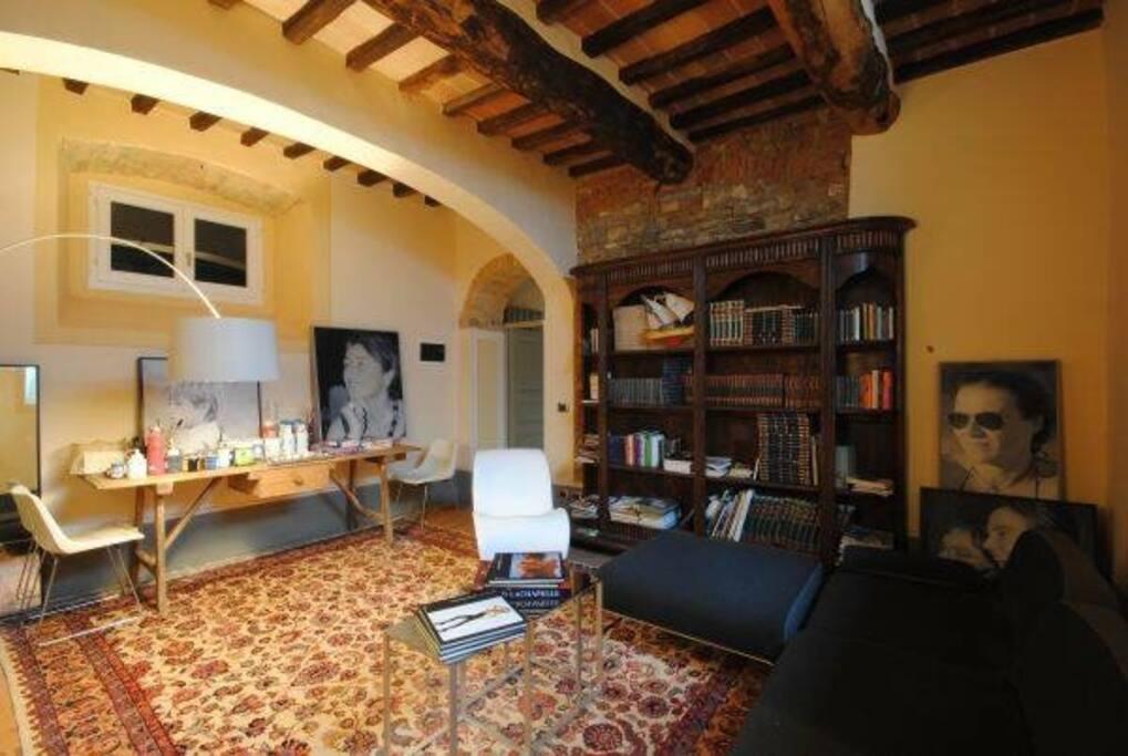 Dimora di sorbello ville in affitto a cortona toscana for Piani di fattoria con stanza bonus