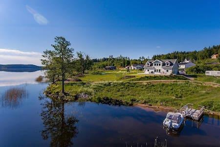 Nybyggd Villa med Magisk utsikt över sjön