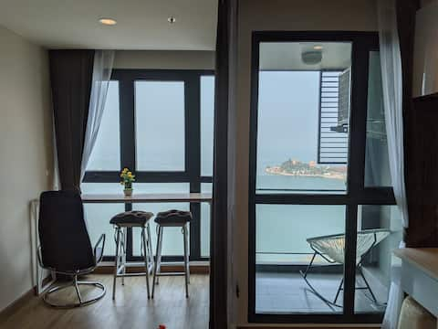 Sea view new condo in Sriracha. Best location