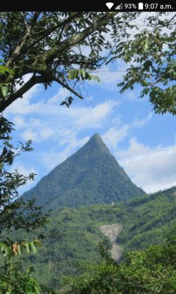 La Piramide Natural mas hermosa de Colombia. El famoso Cerro Tusa donde podras ir y lograr el reto de coronar la cima. Se aconseja ir con un guia dela zona .