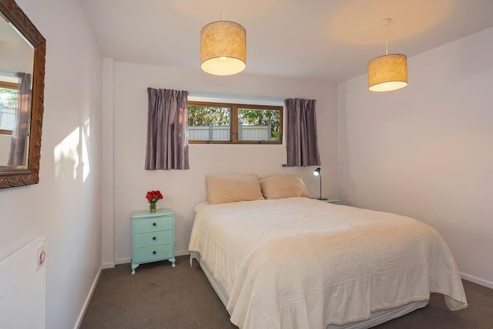 Bedroom 4 (downstairs) with Queen bed