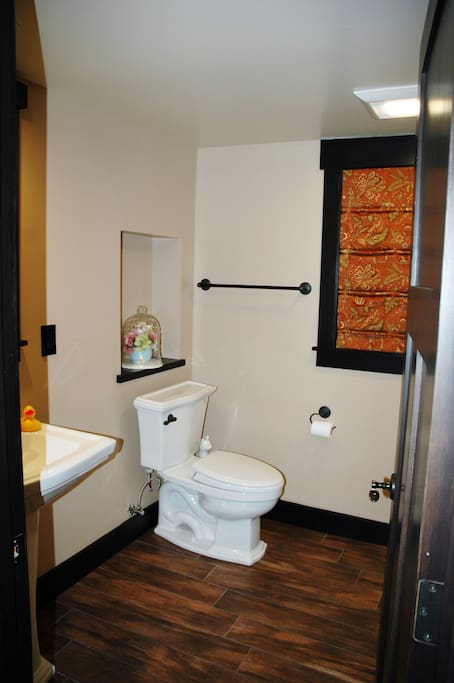 Private Bathroom for 2nd Bedroom