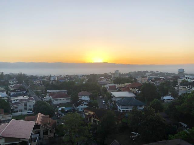 Sunrise at 720 Osmena East
