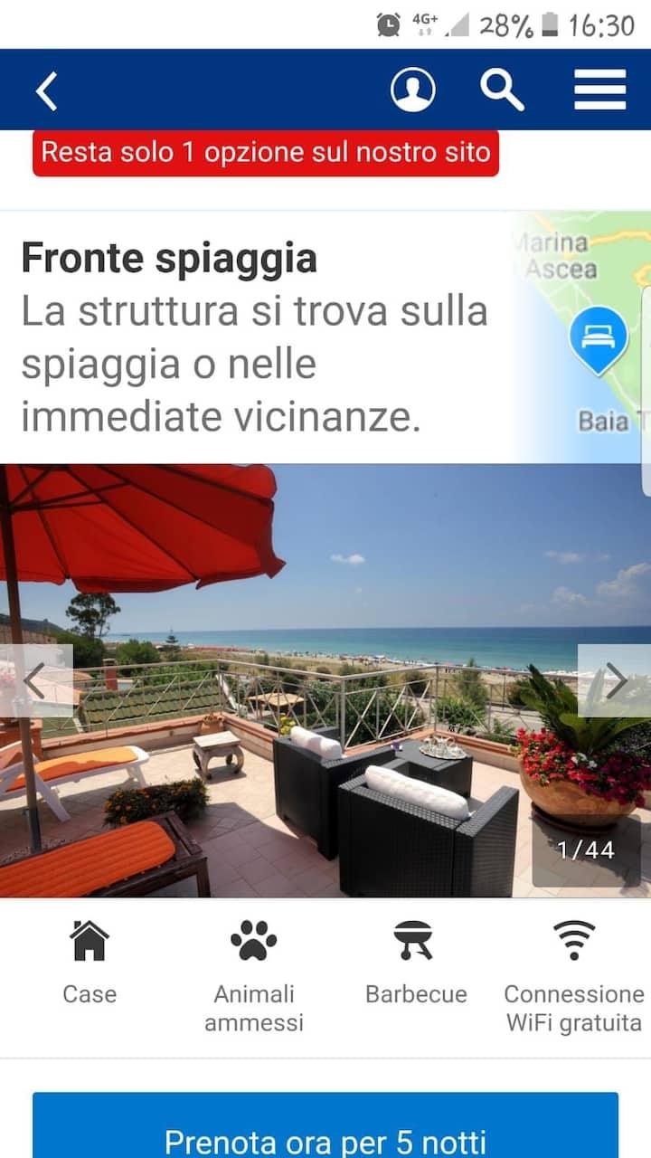 Appartamento vista mare a 50 metri dalla spiaggia.
