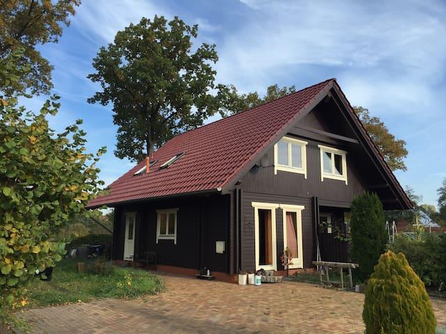 Wohnen, Urlaub oder Arbeiten im Holzhaus