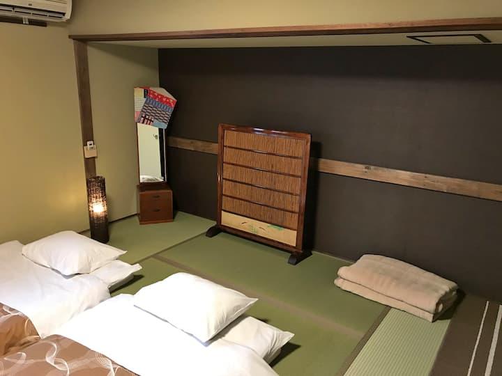 空海ご縁の宿 「町屋ゲストハウスならまち」 奈良町南玄関 7.5畳の和室